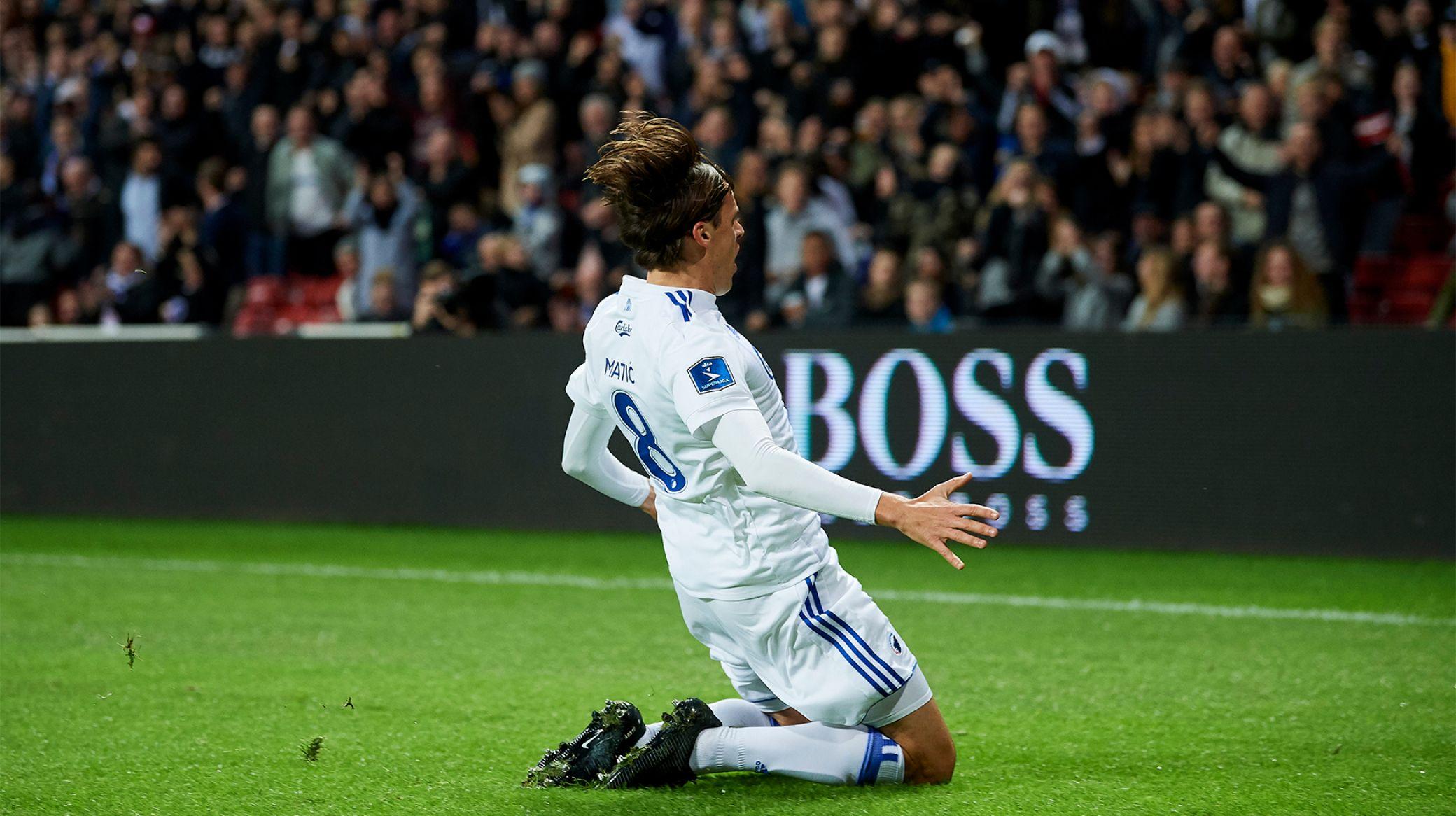 Uroš celebrates the goal; photo: Lars Rønbøg, Getty Images