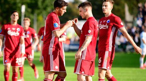 Pavlovic og Verbic fejrer en scoring