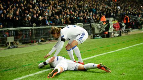 Rasmus Falk og Viktor Fischer jubler efter 1-0-målet
