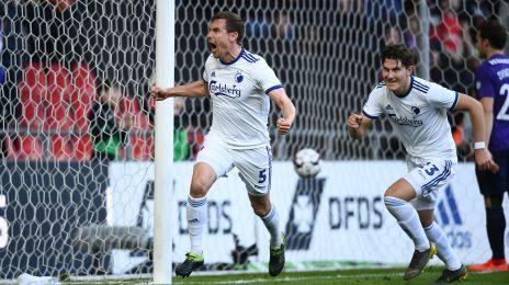Bjelland fejrer sit første mål i FCK-trøjen