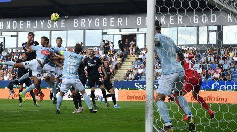 Jens Stage scorer sit første FCK-mål