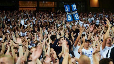 Jublende fans i Telia Parken