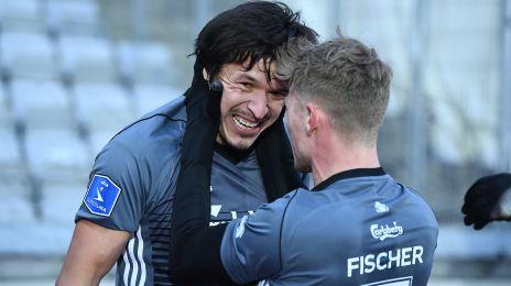 Santander og Fischer jubler efter scoringen