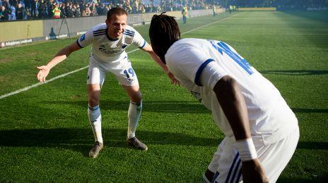 Vavro og N'Doye fejrer DERBY-sejren