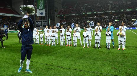 Pieros Sotiriou får blomster for 100 kampe for FCK