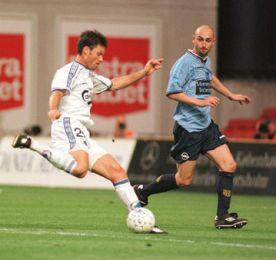 Christian Lønstrup i forsøg mod mål.