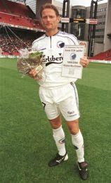 Mio hædret som Årets FCK-spiller 1999/2000.