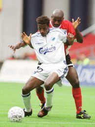 Zuma og Bosun lidt før det røde kort.