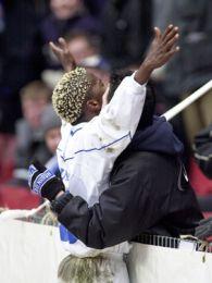 Zuma efter sin scoring til 2-0