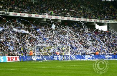 FCK fansene ved spillernes entre...