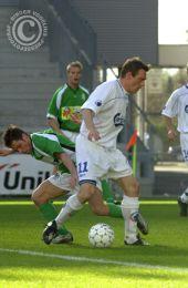Nørlund står og sparker til Heine: Straffe!