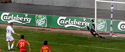 Bernburg reducerer til 1-3 på straffespark. © FCK.DK