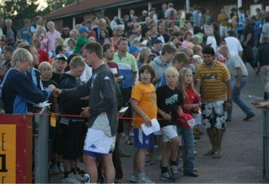 Der var rift om VM-spillernes autografer - © FCK.DK