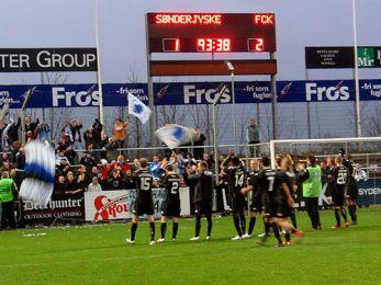 Tak for støtten! Foto: Charles Maskelyne, FCK.DK