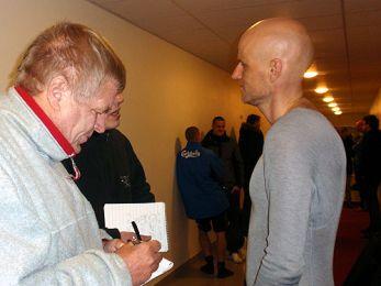 Ståle Solbakken interviewes af Ekstra Bladet og BT Foto: Torkil Fosdal, FCK.DK