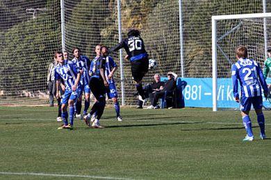 Bolaños header mod mål - forgæves.