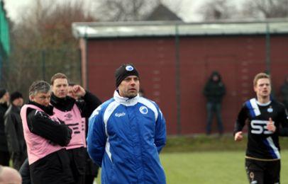 Carsten V. Jensen på sidelinjen i dagens kamp - foto: FCK.dk