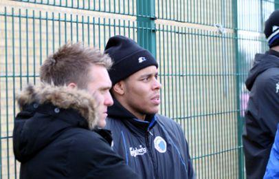 Nyerhvervelsen Kris Stadsgaard taler med Mathias Zanka Jørgensen - foto: FCK.dk